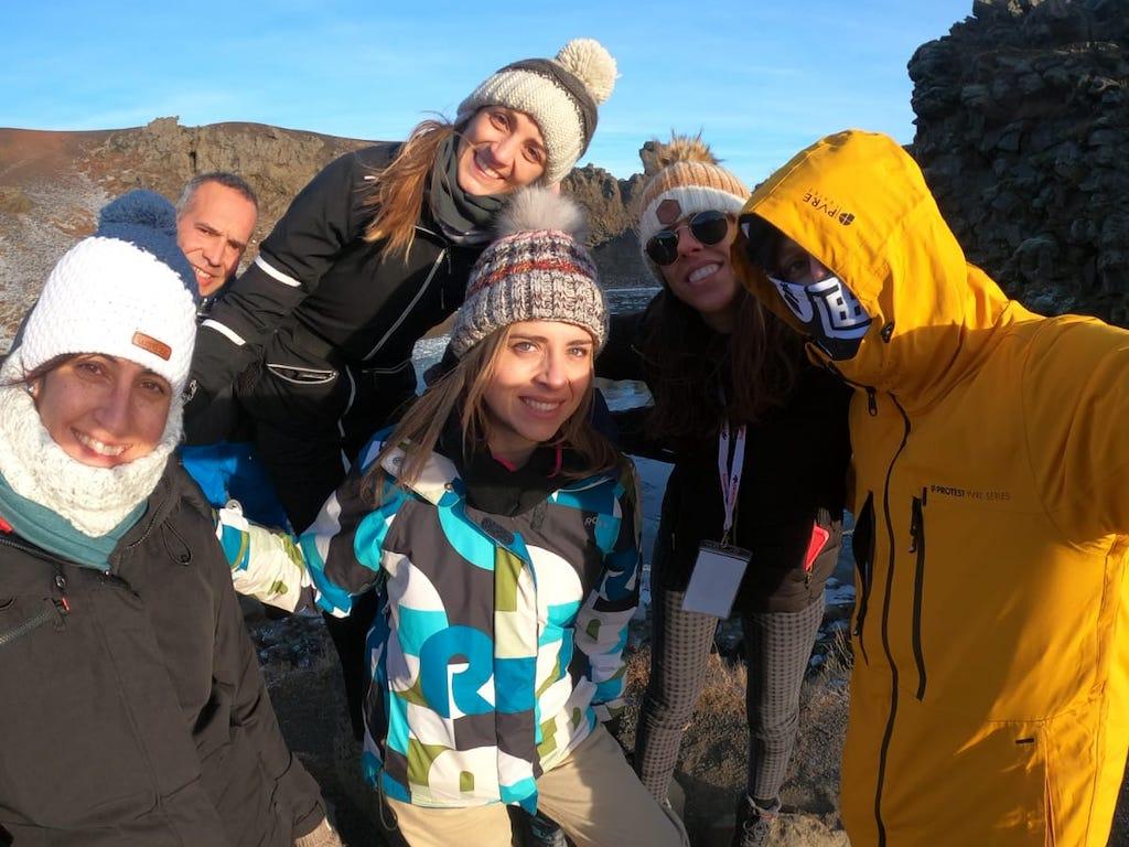 Grupo de amigos en Islandia